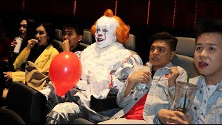 Pennywise invades cinema! \