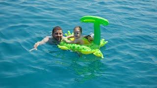 VLOG #5   İlk Yüzme Deneyimi, Tekne, Çeşme, Urla   Merve'yle Yaz