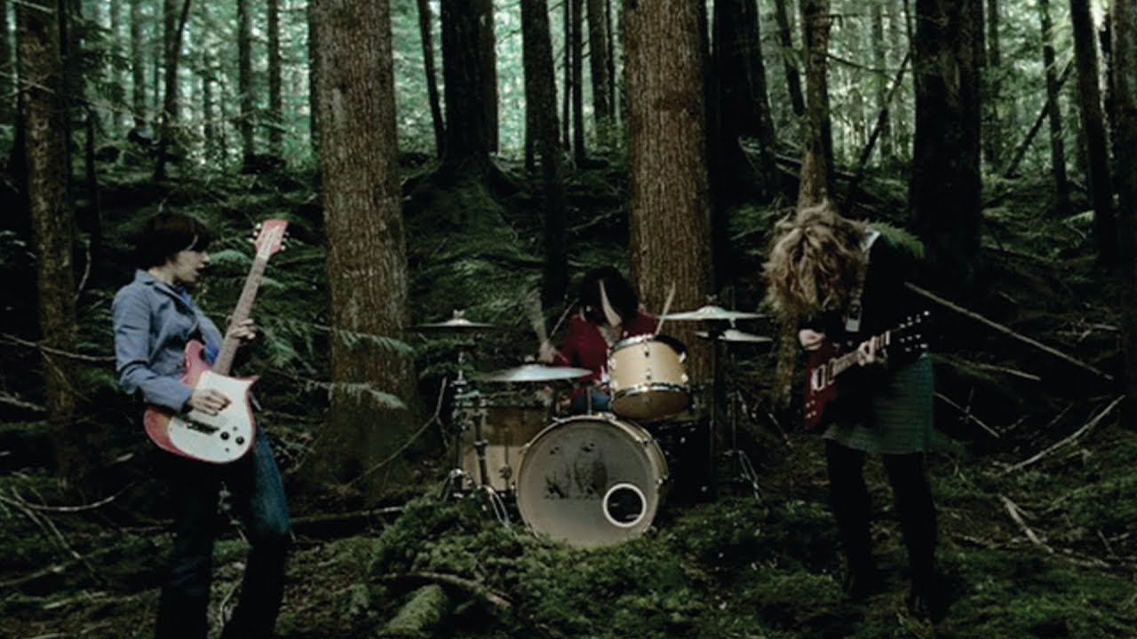 sleater-kinney-entertain-official-video-sub-pop