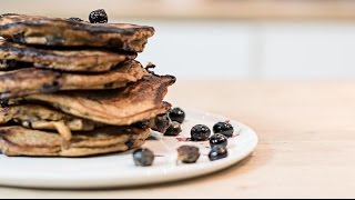 Protein Banana Berry Pancakes