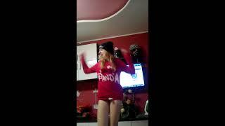 Я танцую))*