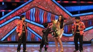 Jeetumoni & Jeet Das Proposing Sonakshi Sinha - Very Cute