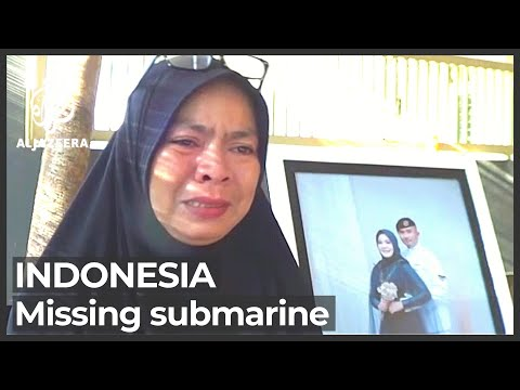 Indonesia submarine: Search critical as oxygen supplies run low