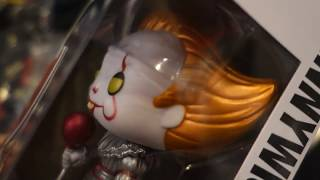*MUST HAVE* METALLIC PENNYWISE / HOT TOPIC EXCLUSIVE