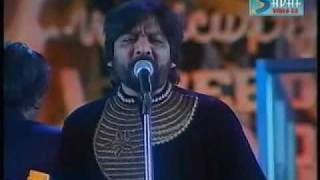 Gambar cover LATA LIVE IN CONCERT......ROOP KUMAR.wmv
