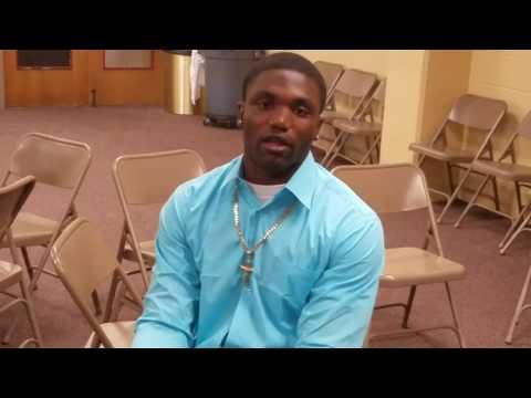 Mavin Saunders awarded following volunteer work at Tallahassee Riley Elementary School