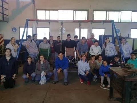 La Escuela Técnica construye hamacas para la Escuela integral 9