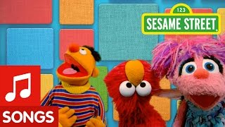 Sesame Street: Elmo Has A Freeze Dance Party