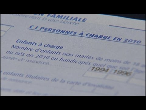French government cuts taxes in run-up to election