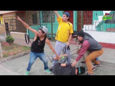 EL TOCA TIMBRE | Entre Patas