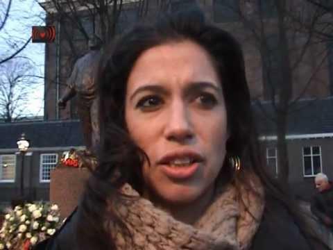 February Strike.Gusta Olivier-Vonk and her grand doughter explaining