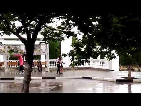 Крым, Судак, летний дождь в городе, 10 июня 2017