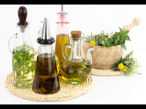 How to Infuse Olive Oil With Rosemary