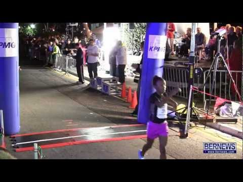 Primary School Girls Race At Front Street Mile, Jan 18 2013
