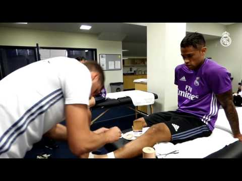 Here's How Mariano Straps Up His Ankles Before Scoring Goals Like The One At Michigan