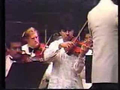 Tchaikovsky violin concerto. Young-Erasmo Capilla(part2)