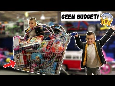 KIDS MOGEN ALLES KOPEN IN EEN SPEELGOEDWINKEL! | VLOG #207