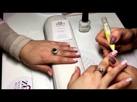 CND VINYLUX CND SHELLAC FRENCH MANICURE BY WWW.ZOGA-BEAUTY.COM