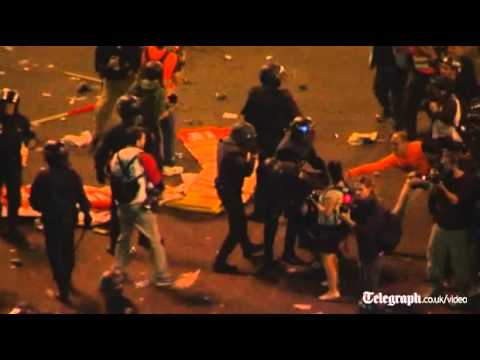 Spain: rubber bullets fired at violent anti-austerity protest in Madrid