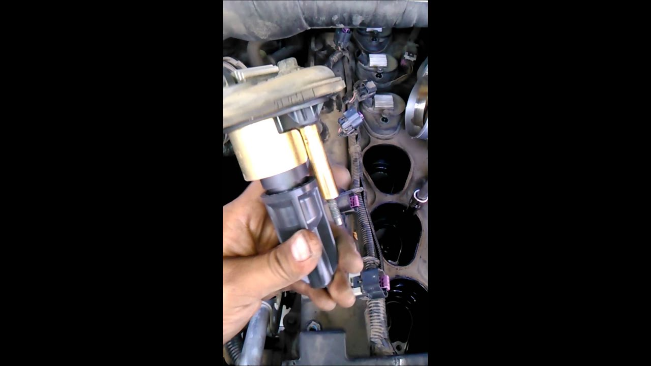 maxresdefault 2004 gmc envoy spark plug replacement youtube Spark Plug Firing Order Diagram at readyjetset.co