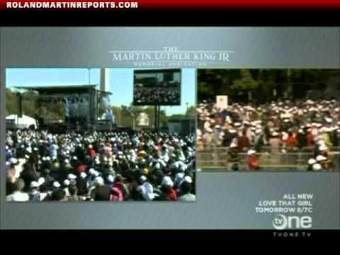 Stevie Wonder Sings During The MLK Memorial Dedication Ceremony