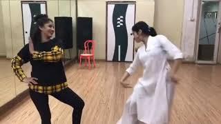 janhvi kapoor dance  - जाह्नवी कपूर का डांस वीडियो