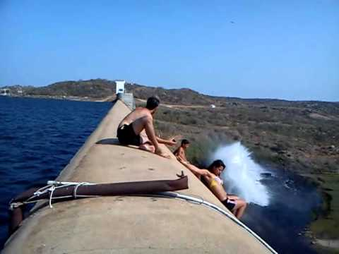 willame som  barragem de apodi novos videos subindo a parede da barrajem  2011