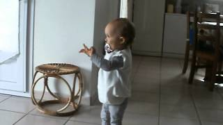 Jodie danse sur la Maison de Mickey
