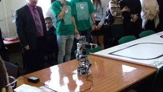 Робот танцует | Кружок робототехники СГАУ | Dancing robot(Танцующий робот. Кружок робототехники СГАУ г. Самара. Новые технологии и развитие микроэлектроники позволя..., 2016-03-18T13:05:10.000Z)