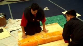 СГ VIII Приготовление самого большого Суши ролла, часть 5(Приготовление самого большого Суши ролла двумя мастерами азиатской кухни, за самое короткое время; разреза..., 2012-05-21T22:28:51.000Z)