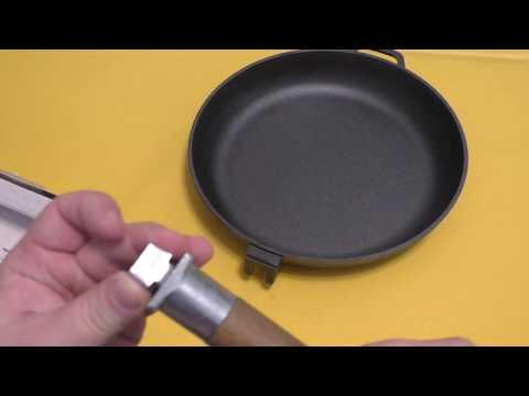 Первая чугунная сковорода. Тест Биол 26см.