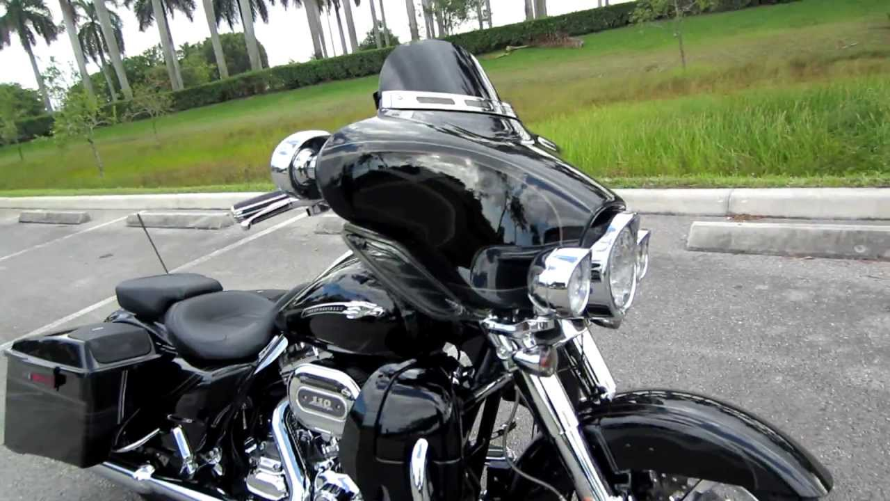 2012 CVO Street Glide for sale, Immaculate!!! you know it