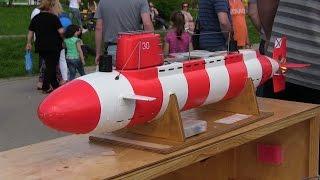 Подводная лодка на радиоуправлении/Radio-controlled submarine(Подводная лодка на радиоуправлении проект 1855 на Фестивале в Гольяново в честь 9 мая 2016 Правила соревнований..., 2016-05-11T11:03:34.000Z)