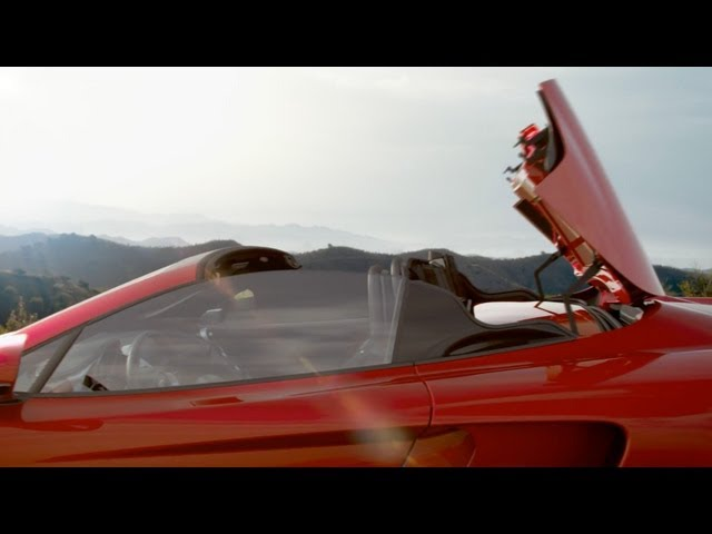 The McLaren MP4-12C Spider opens the roof