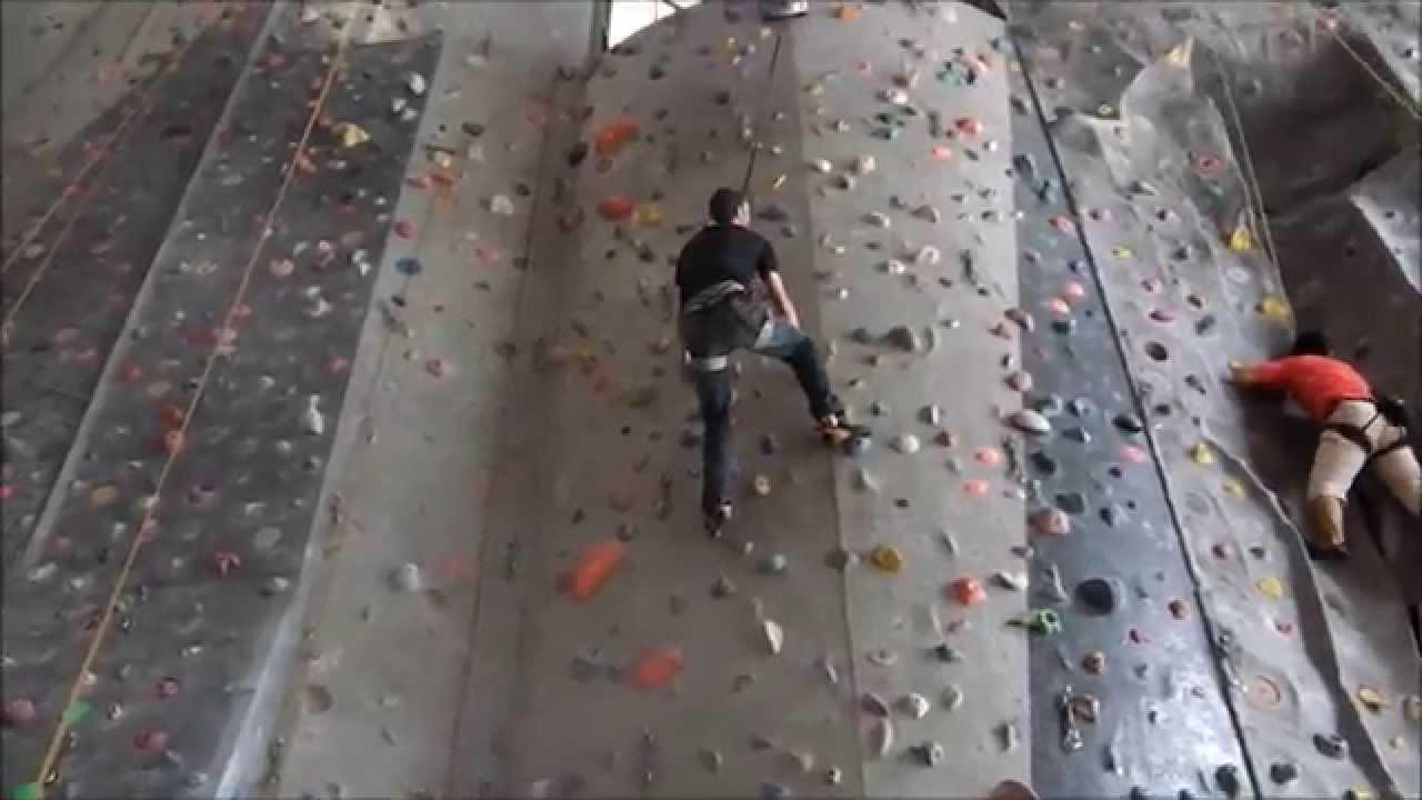 "Exercice d'escalade : ""2 mains simultanées"" - YouTube"