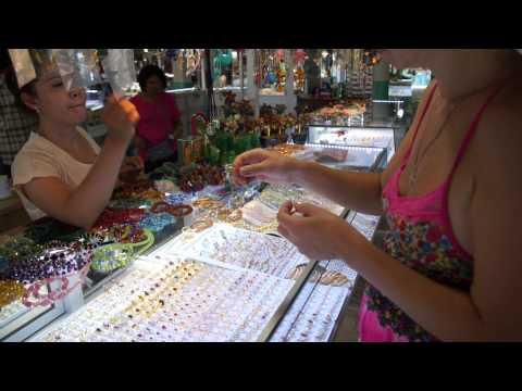 Тайланд 2013 золотые изделия на рынке возле моста через квай