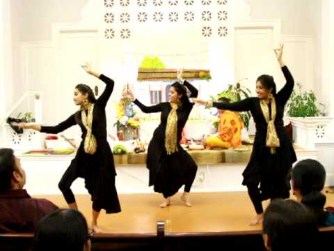 Dance performance on Remo Fernandes flute song