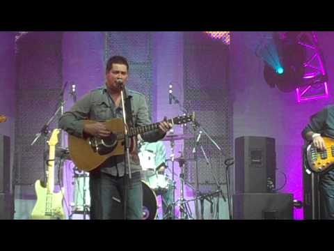 "Kevin Davison Performs ""Dream I Never Had Come True"" from his ""Just The Beginning"" CD."