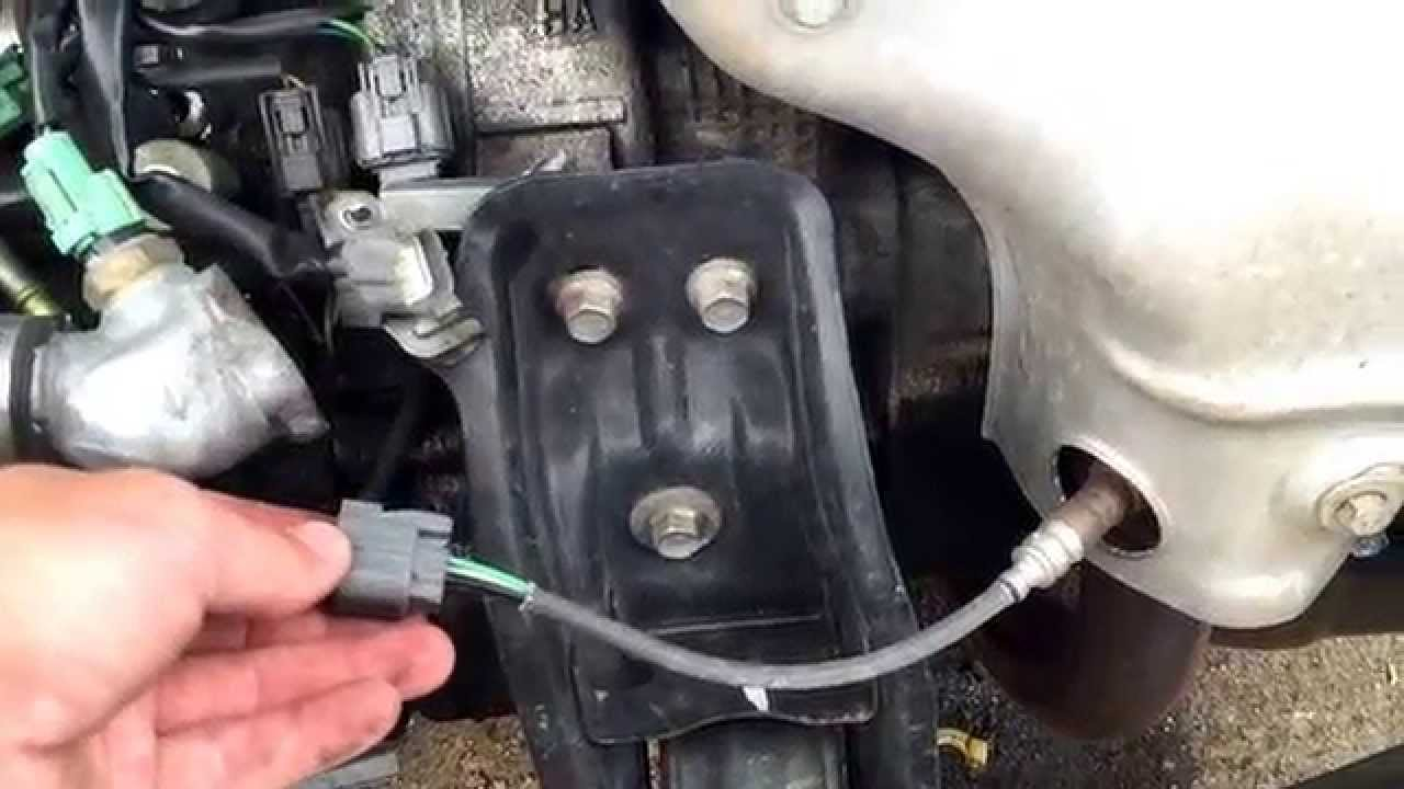 1996 Honda Accord O2 Oxygen Sensor Replacement - YouTube