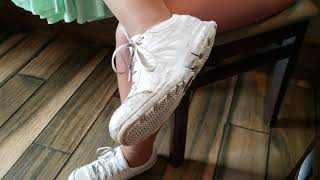 Size 9 Hooters waitress shoe