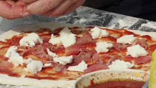 How to cook a Pizza on the charcoal Mastertouch BBQ using the pizza stone