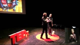 Jak zwiedzić świat i nie zbankrutować? | Alicja Rapsiewicz, Andrzej Budnik | TEDxLublin