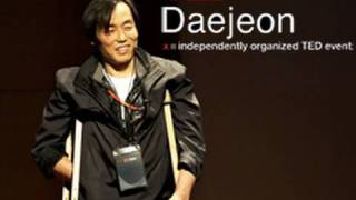 Beating disabilities to pioneer grassroots journalism : Jo Ju-hyun at TEDxDaejeon