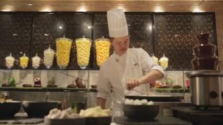 Mandarin Oriental, Singapore: Sunday Brunch at Mel...