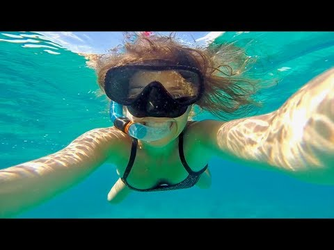 SWIMMING WITH SEA TURTLES - GILI AIR, INDONESIA