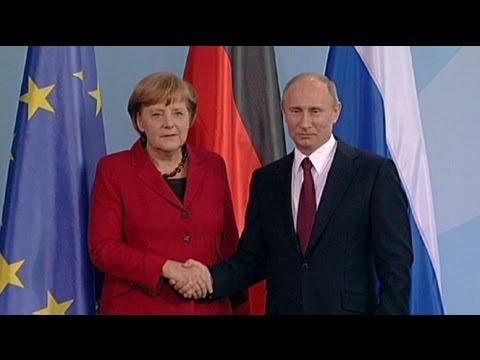 Le président russe Vladimir Poutine réfute soutenir le
