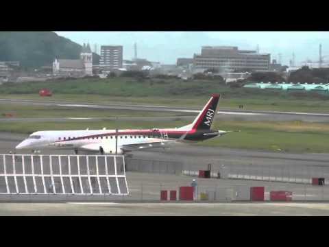 速報 MRJ(Mitsubishi Regional Jet) 走行テスト開始 プッシュバック