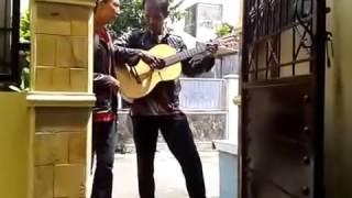 Ebiet G Ade ~ Berita Kepada Kawan  Cover Pengamen Ganteng Feat Bojo