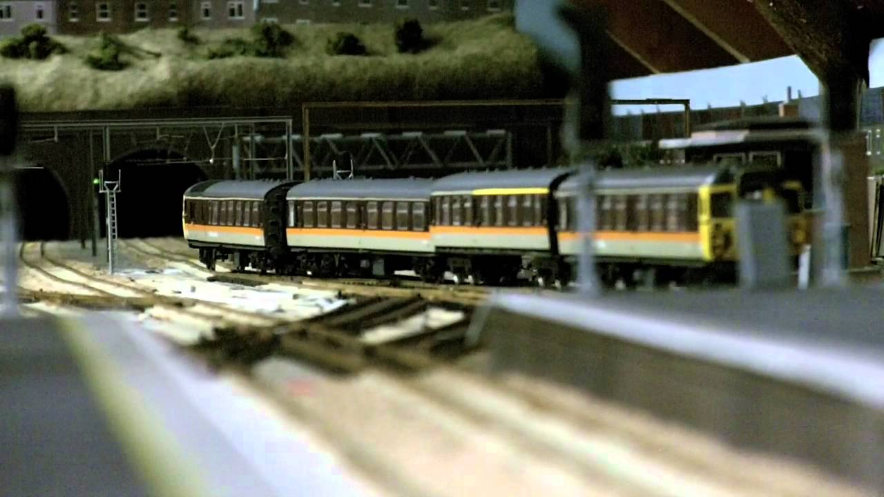 Bachmann Express Coaches Henry