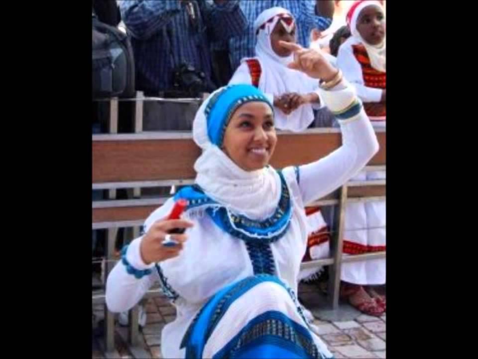 Download Zarihuun Wadaajoo - Asham yaa shubbee koo! Oromo love music.mp4